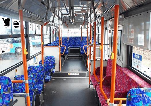 大型路線タイプバス車内